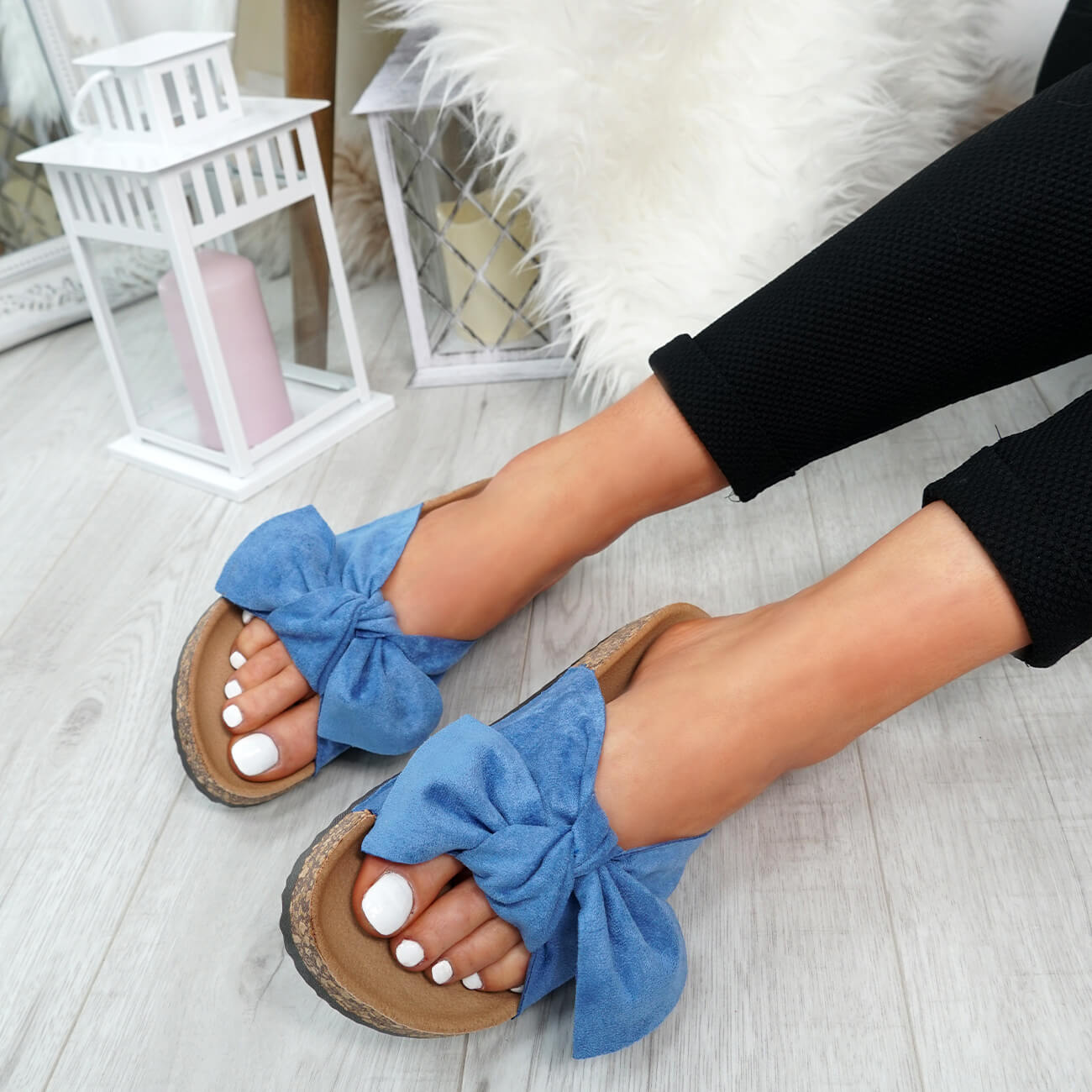 WOMENS-LADIES-SLIP-ON-FLAT-SANDALS-BOW-SLIDERS-SUMMER-CASUAL-SHOES-SIZE thumbnail 17