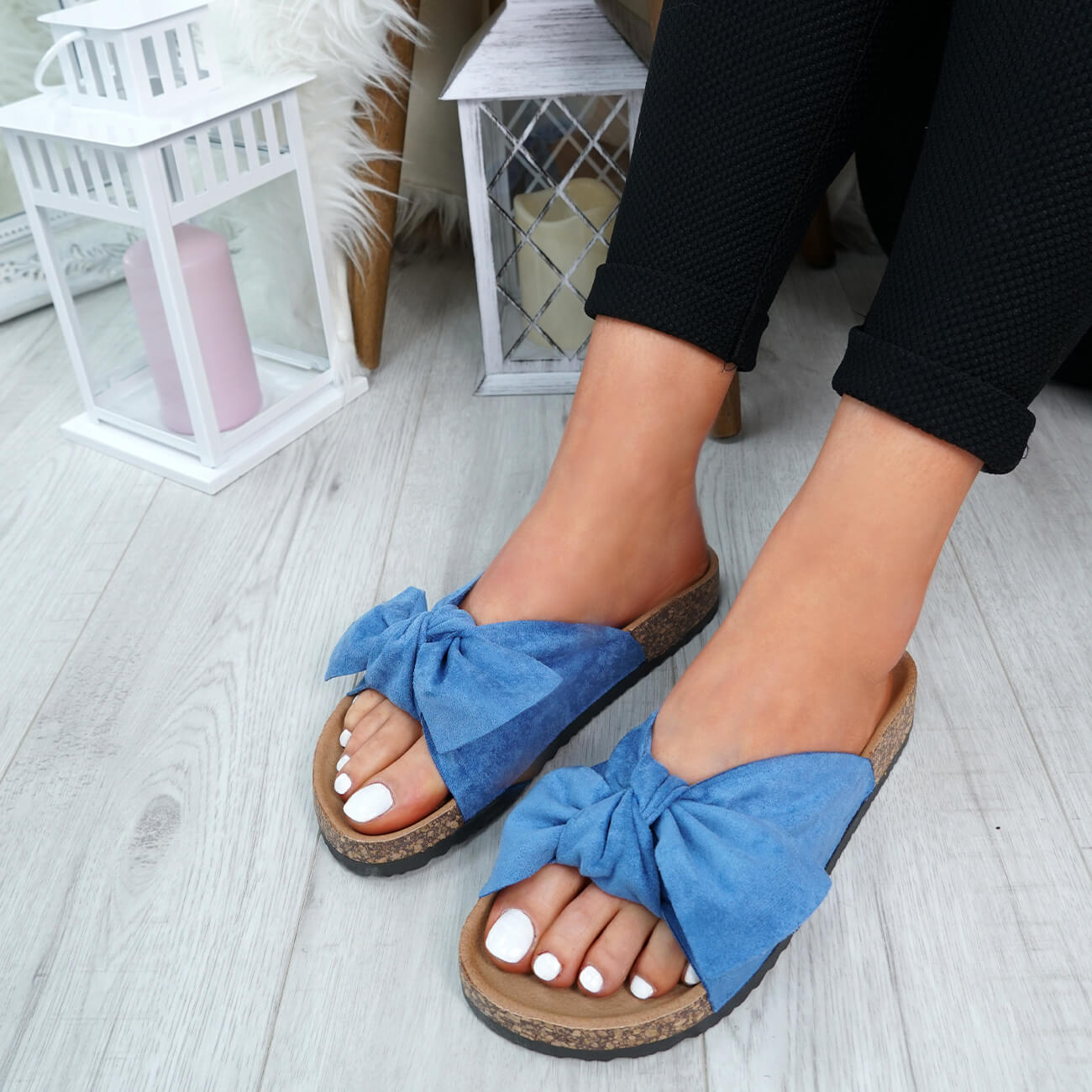 WOMENS-LADIES-SLIP-ON-FLAT-SANDALS-BOW-SLIDERS-SUMMER-CASUAL-SHOES-SIZE thumbnail 19