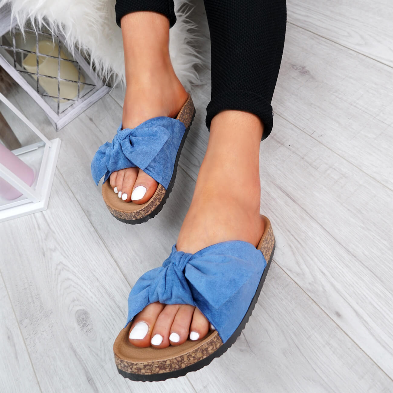 WOMENS-LADIES-SLIP-ON-FLAT-SANDALS-BOW-SLIDERS-SUMMER-CASUAL-SHOES-SIZE thumbnail 20