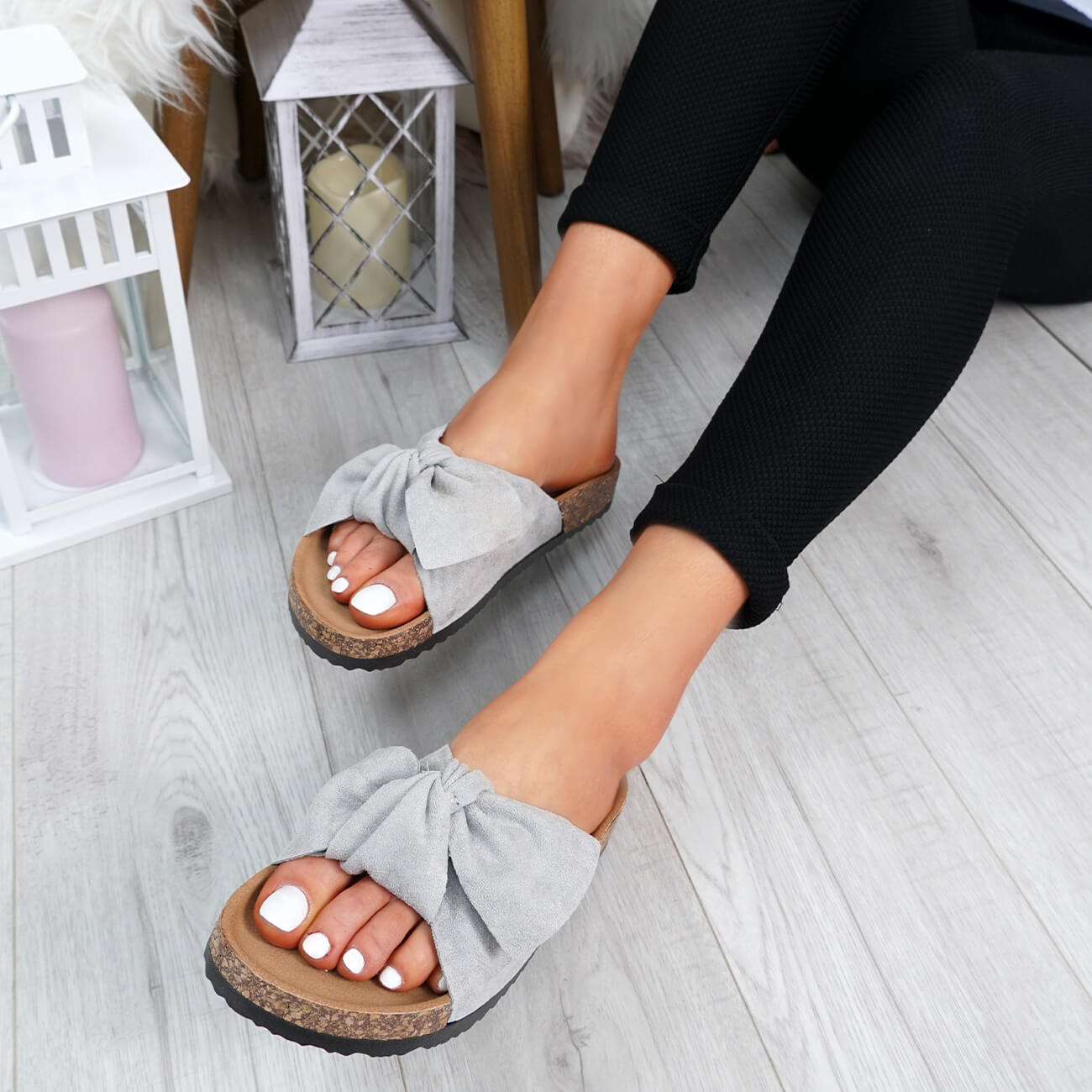 WOMENS-LADIES-SLIP-ON-FLAT-SANDALS-BOW-SLIDERS-SUMMER-CASUAL-SHOES-SIZE thumbnail 27