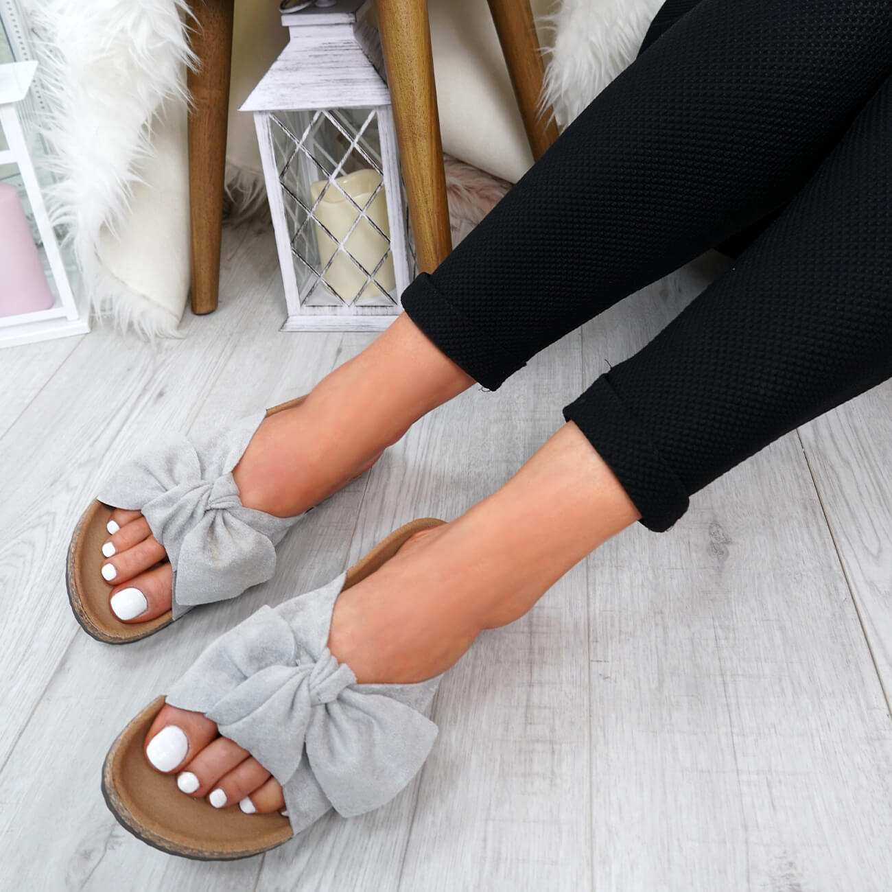 WOMENS-LADIES-SLIP-ON-FLAT-SANDALS-BOW-SLIDERS-SUMMER-CASUAL-SHOES-SIZE thumbnail 29