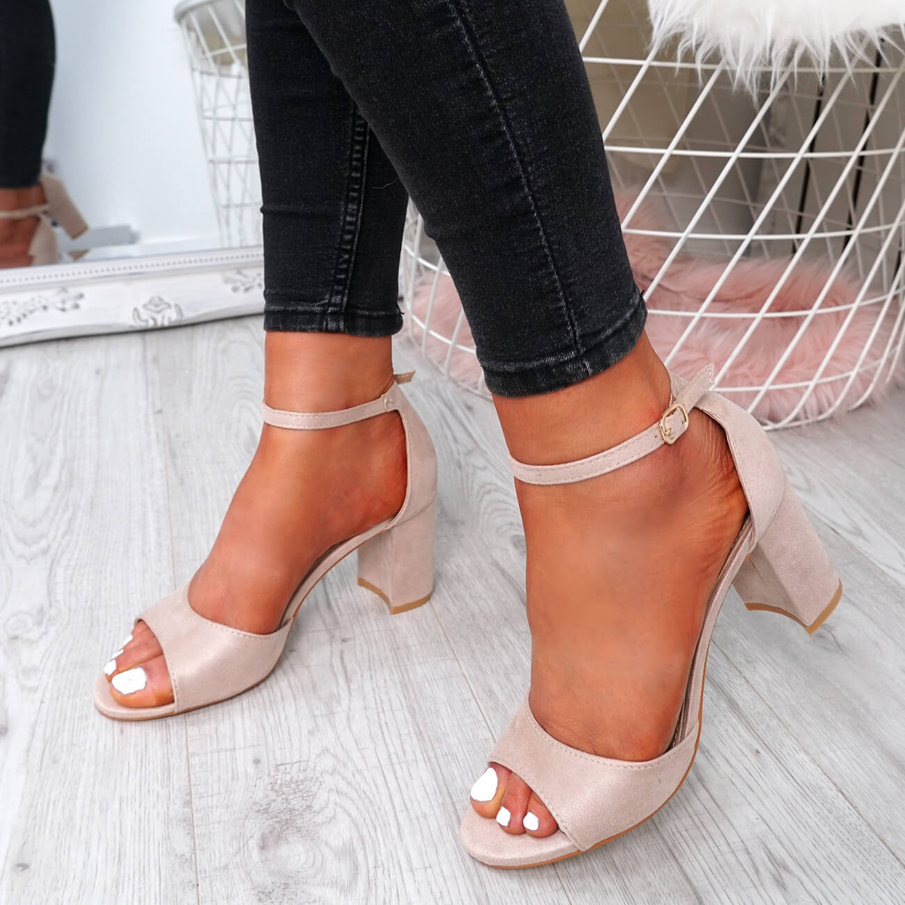 WOMENS-LADIES-ANKLE-STRAP-HIGH-BLOCK-HEEL-SANDALS-PEEP-TOE-PARTY-SHOES-SIZE thumbnail 7