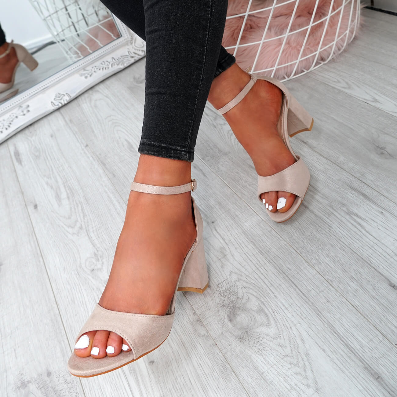 WOMENS-LADIES-ANKLE-STRAP-HIGH-BLOCK-HEEL-SANDALS-PEEP-TOE-PARTY-SHOES-SIZE thumbnail 9