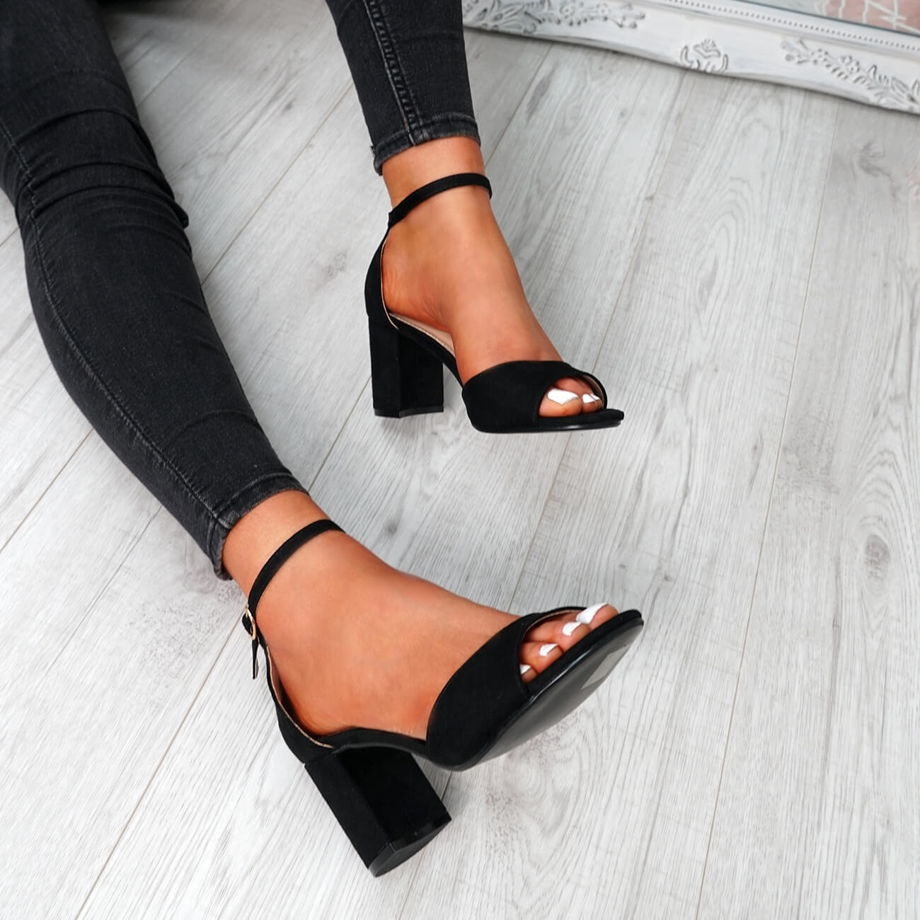 WOMENS-LADIES-ANKLE-STRAP-HIGH-BLOCK-HEEL-SANDALS-PEEP-TOE-PARTY-SHOES-SIZE thumbnail 15
