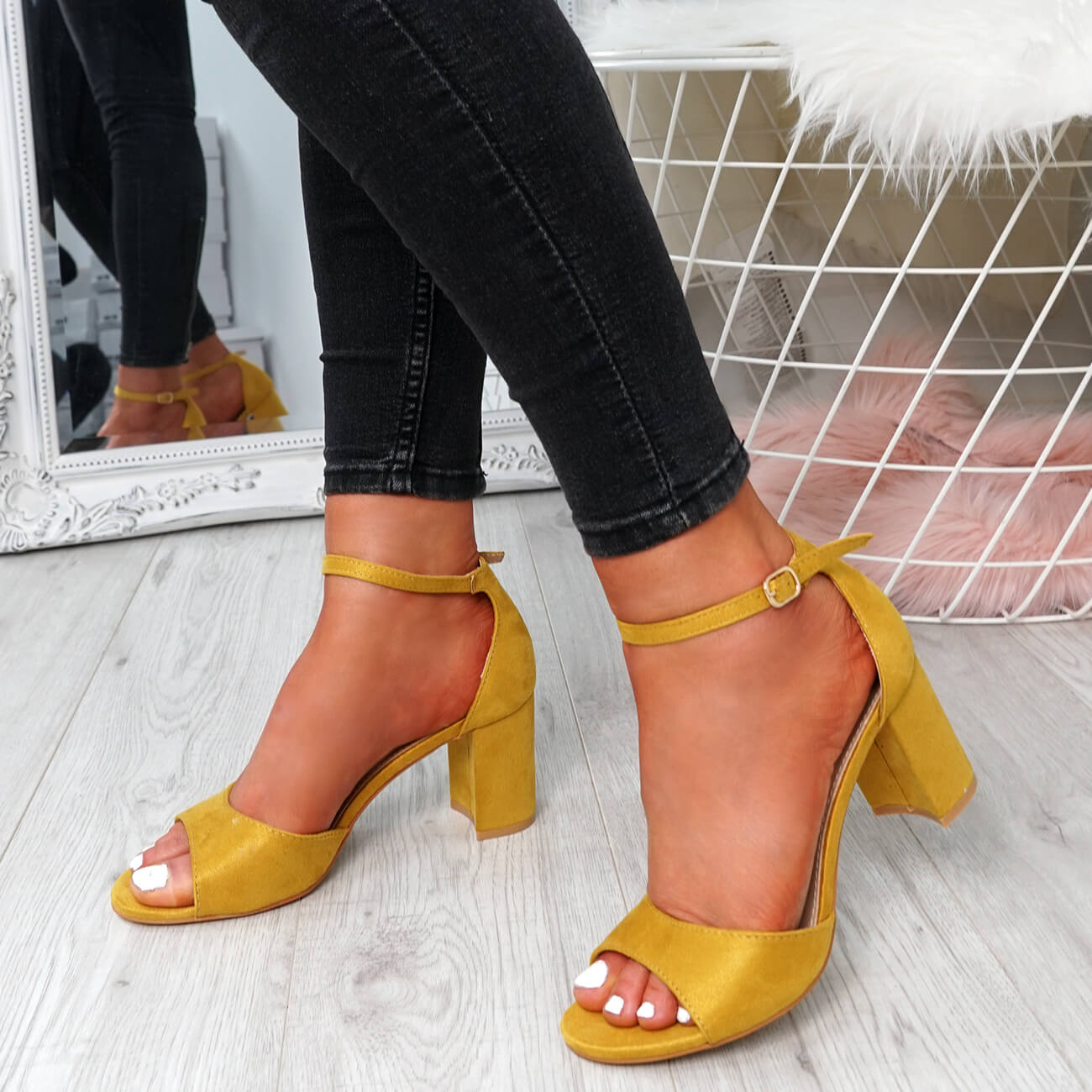 WOMENS-LADIES-ANKLE-STRAP-HIGH-BLOCK-HEEL-SANDALS-PEEP-TOE-PARTY-SHOES-SIZE thumbnail 33
