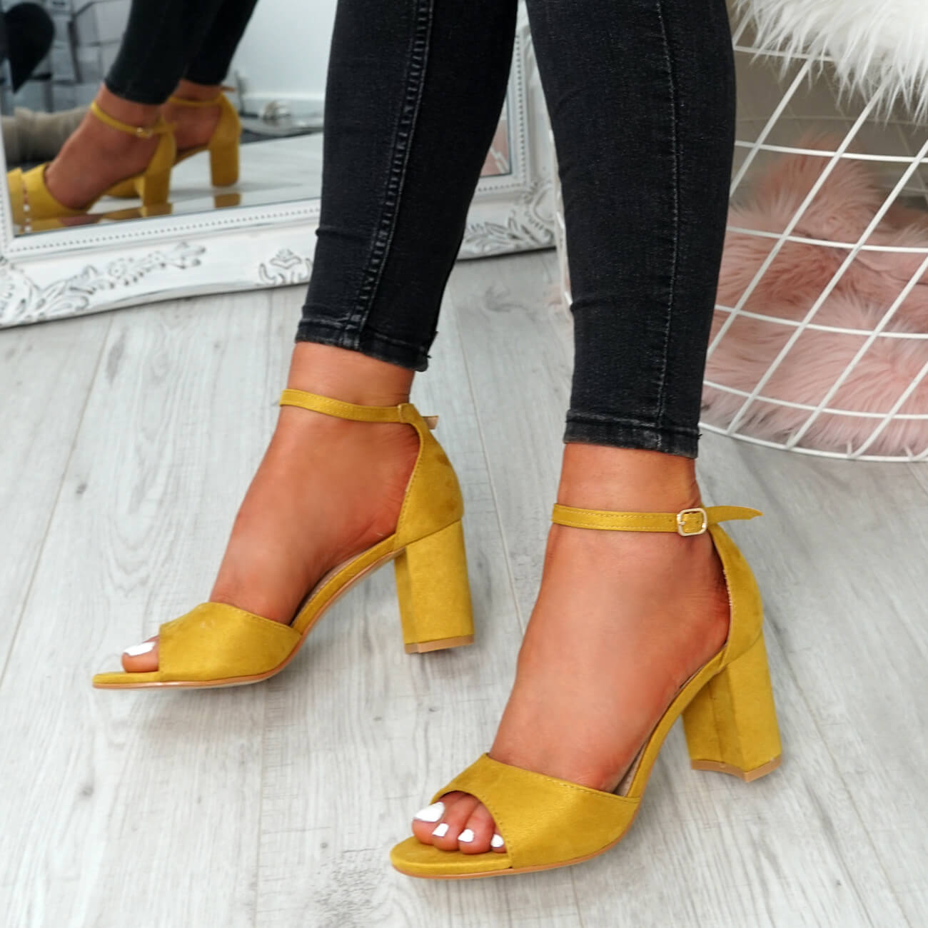 WOMENS-LADIES-ANKLE-STRAP-HIGH-BLOCK-HEEL-SANDALS-PEEP-TOE-PARTY-SHOES-SIZE thumbnail 34