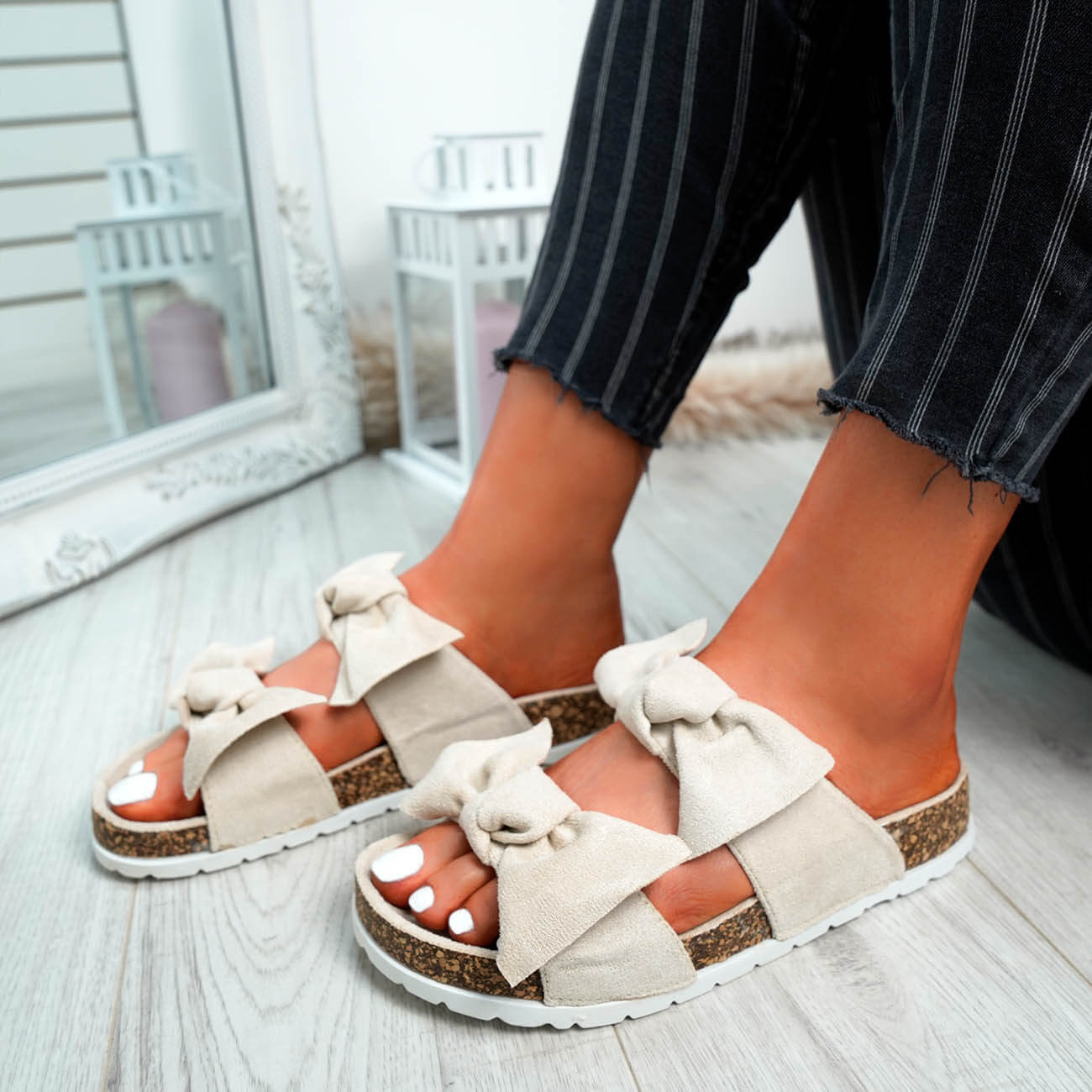 WOMENS-LADIES-PEEP-TOE-SLIP-ON-DOUBLE-BOW-FLAT-SANDALS-PARTY-CLUB-SUMMER-SHOES thumbnail 9