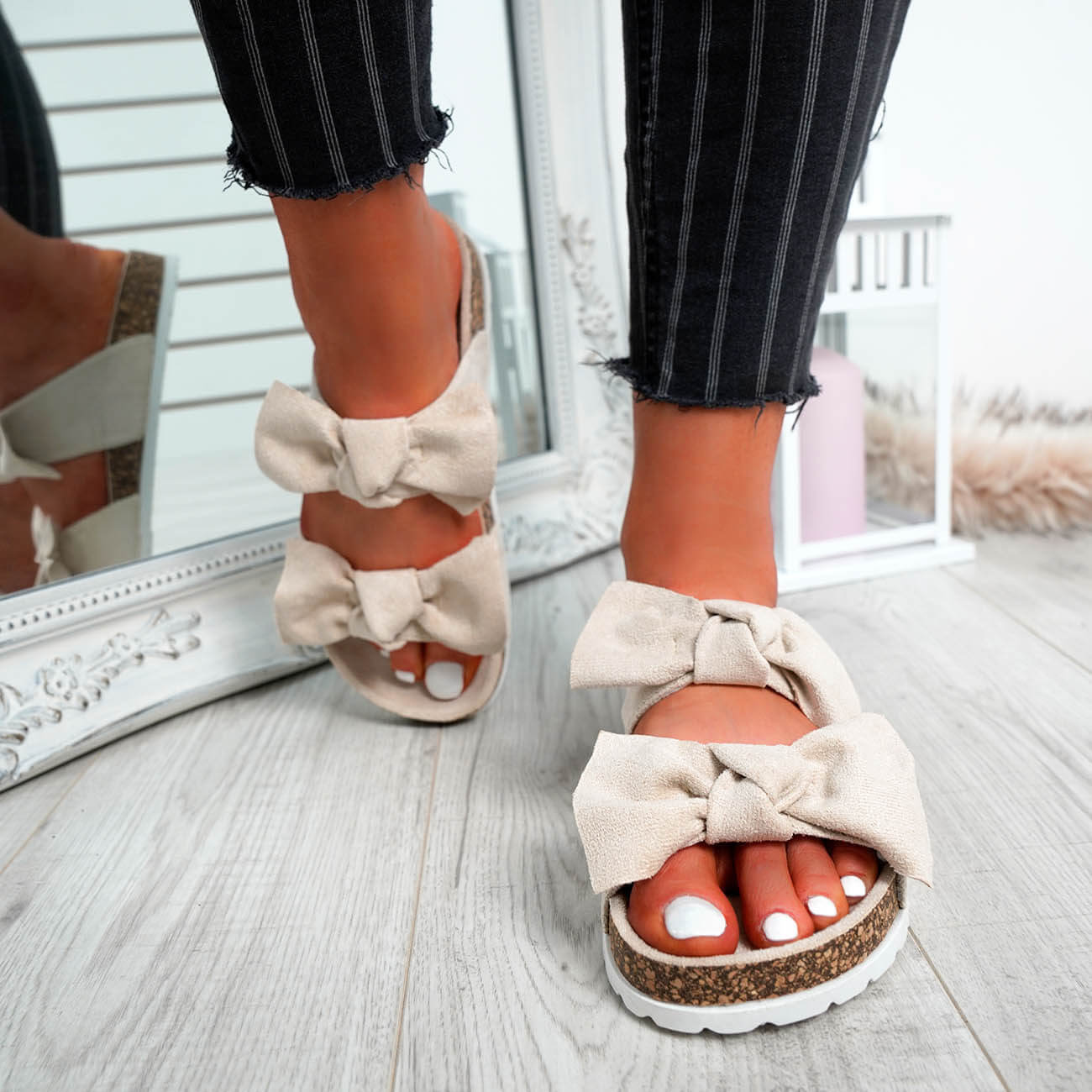 WOMENS-LADIES-PEEP-TOE-SLIP-ON-DOUBLE-BOW-FLAT-SANDALS-PARTY-CLUB-SUMMER-SHOES thumbnail 10