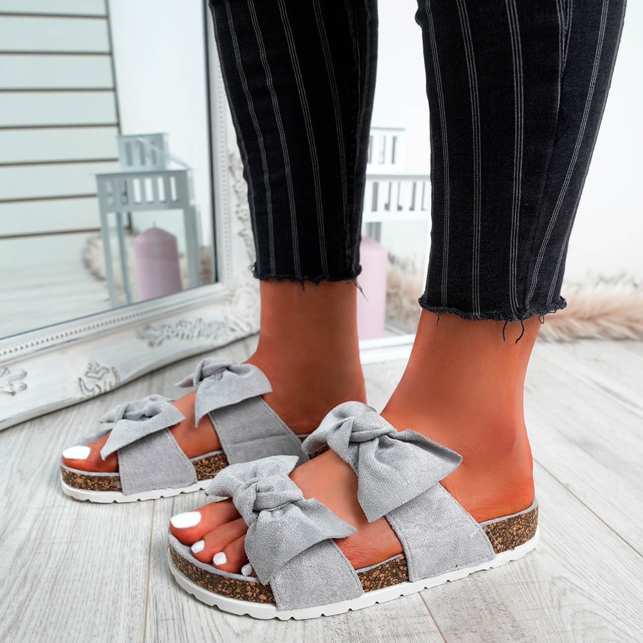 WOMENS-LADIES-PEEP-TOE-SLIP-ON-DOUBLE-BOW-FLAT-SANDALS-PARTY-CLUB-SUMMER-SHOES thumbnail 35