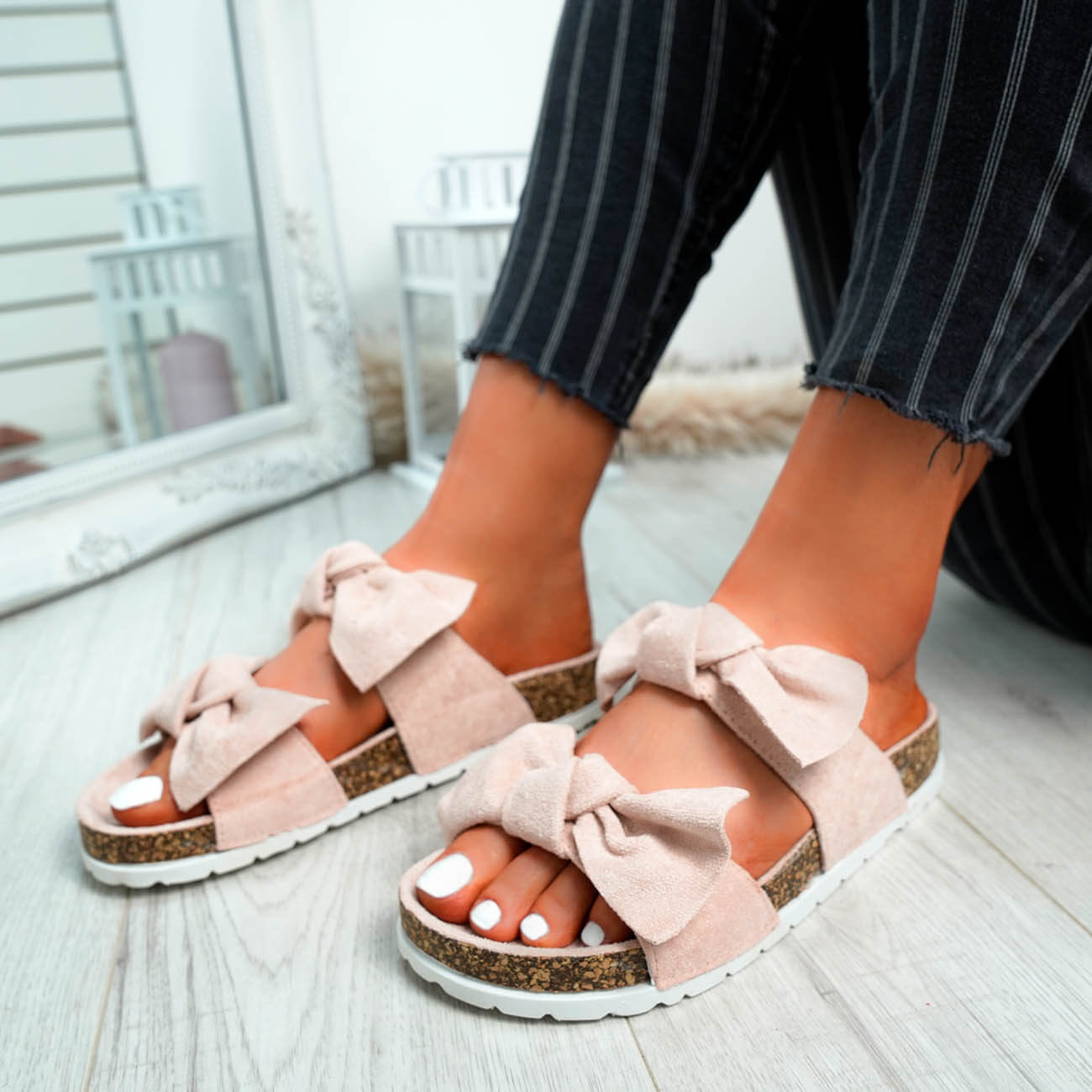 WOMENS-LADIES-PEEP-TOE-SLIP-ON-DOUBLE-BOW-FLAT-SANDALS-PARTY-CLUB-SUMMER-SHOES thumbnail 39